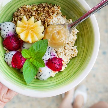 Dragon Fruit and Oats Bowl Made with Smoothie Mix