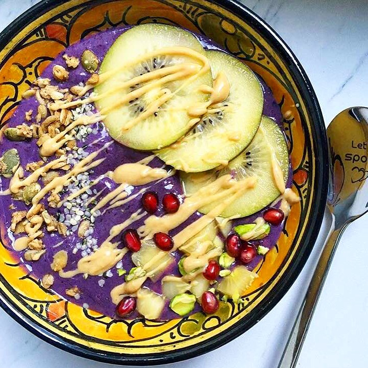 Peanut Butter Smoothie Bowl​
